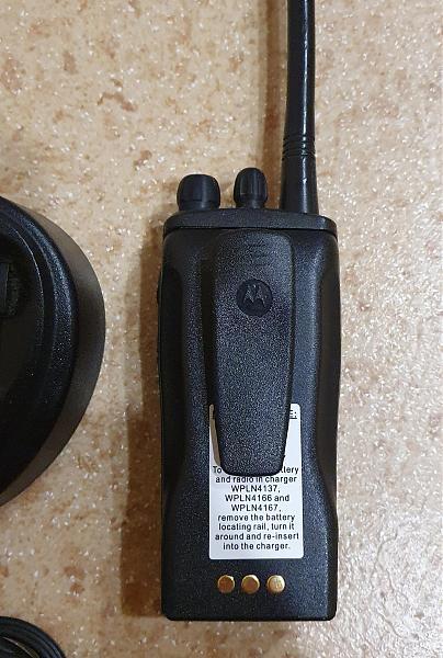 Продам Motorola CP140