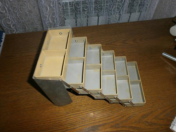 Продам кассетница радиодеталей