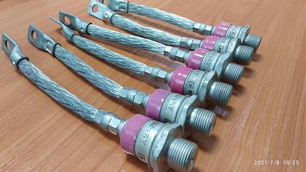 Продам Диоды силовые Д161-250, ДЛ161-200