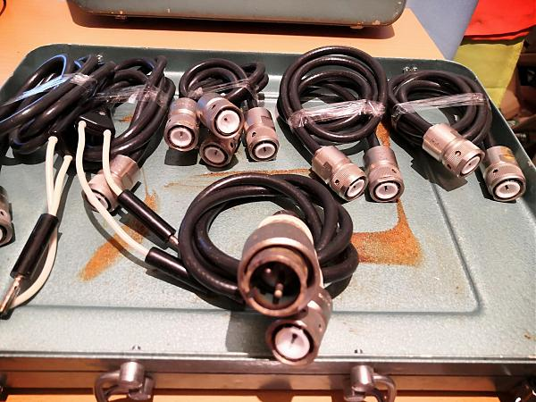 Продам разъёмы,кабель, и др. в кейсе