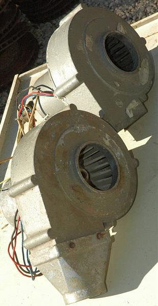 Продам Вентилятор обдува ламп 200 куб.м/час