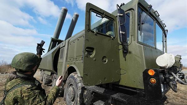 Военнослужащие во время тактических учений береговых ракетных войск Балтийского флота с использованием противокорабельного ракетного комплекса «Бастион»